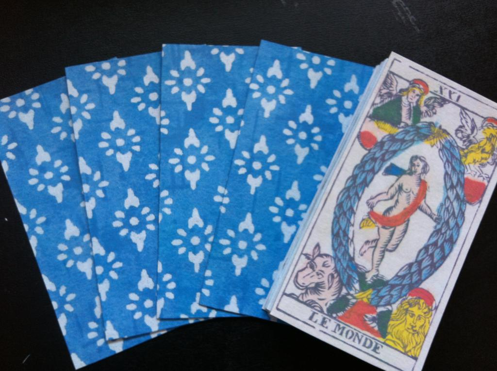 http://www.tarotforum.net/attachment.php?attachmentid=65824&d=1375059695